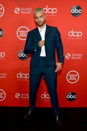 maluma-wore-dzojchen-suit-to-the-2020-american-music-awards