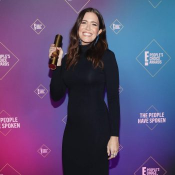 mandy-moore-in-brandon-maxwell-e-peoples-choice-awards-2020