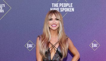 chrishell-stause-in-rita-vinieris-e-peoples-choice-awards-2020