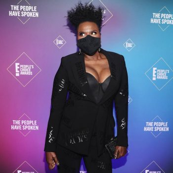 leslie-jones-in-christian-siriano-the-2020-peoples-choice-awards