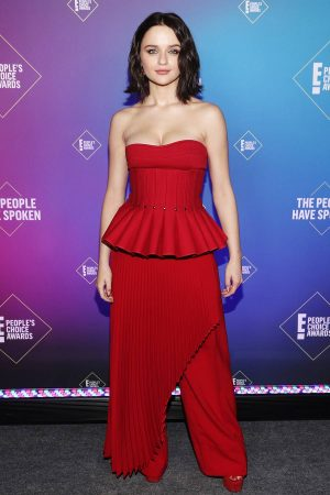 joey-king-wears-robert-wun-the-2020-peoples-choice-awards