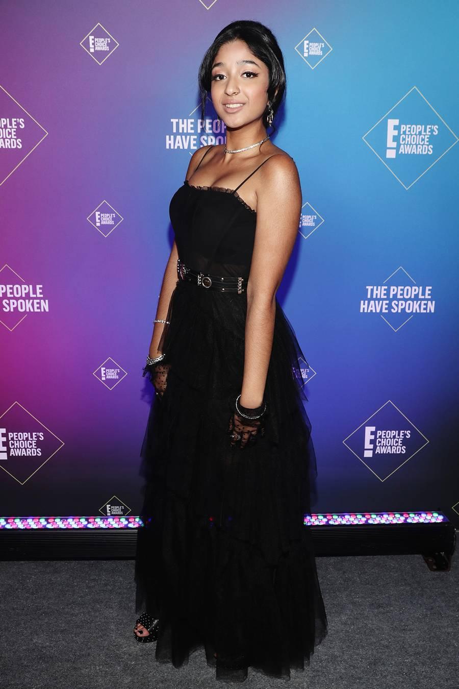 maitreyi-ramakrishnan-in-black-gown-e-peoples-choice-awards-2020