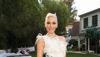 gwen-stefani-wore-congtri-to-promote-her-new-christmas-single