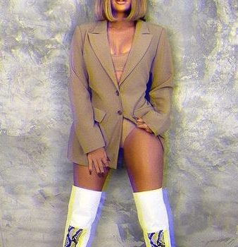 khloe-kardashian-wore-good-american-trench-blazer-instagram