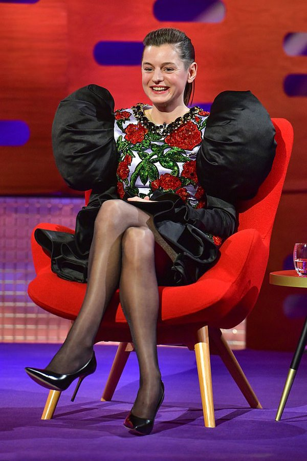 emma-corrin-wore-richard-quinn-the-graham-norton-show