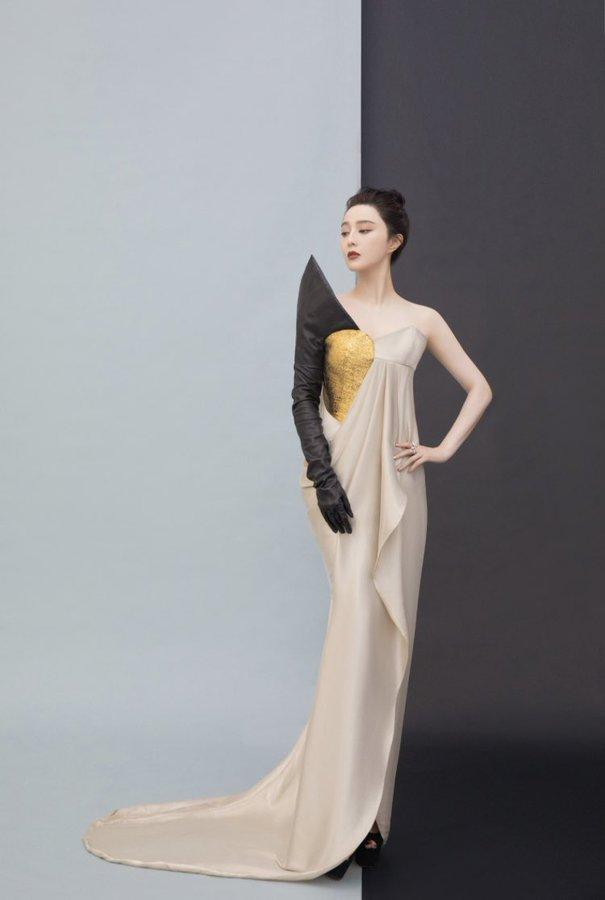 fan-binging-wore-ronald-van-der-kemp-haute-couture-the-ellemen-film-heroes-ceremony