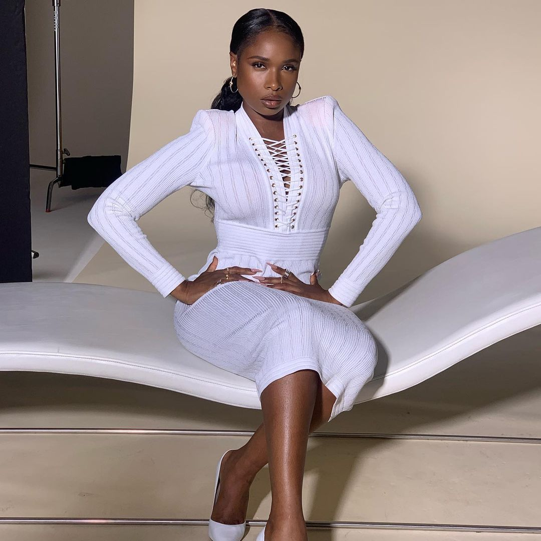 jennifer-hudson-wore-a-white-balmain-knit-dress-instagram