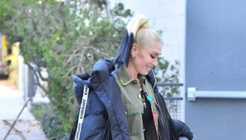 gwen-stefani-wore-riley-simon-cargo-jacket-out-in-santa-monica