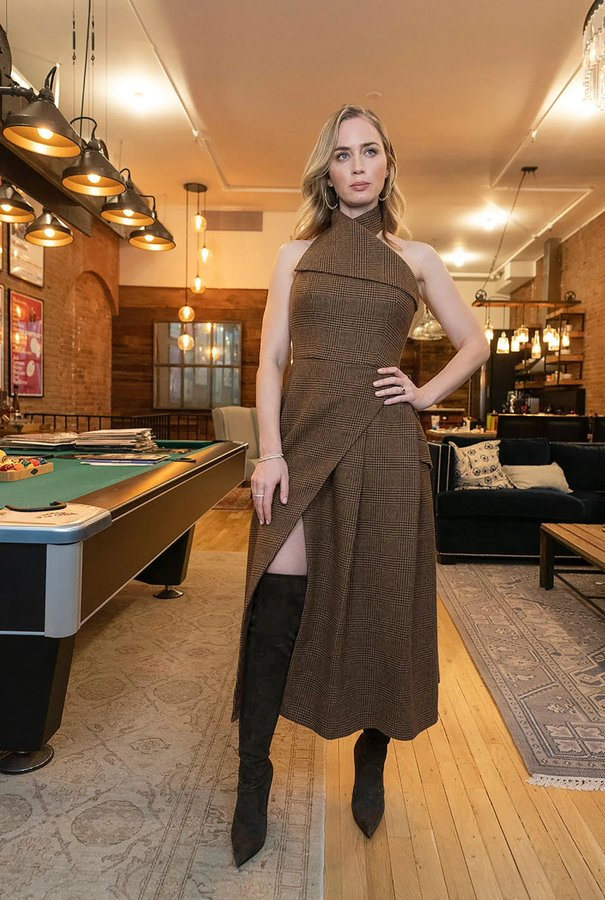 emily-blunt-wore-wolford-promoting-wild-mountain-thyme-in-new-york