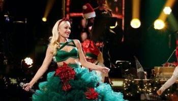 gwen-stefani-wore-christian-siriano-you-make-it-feel-like-christmas-voice-finale-performance