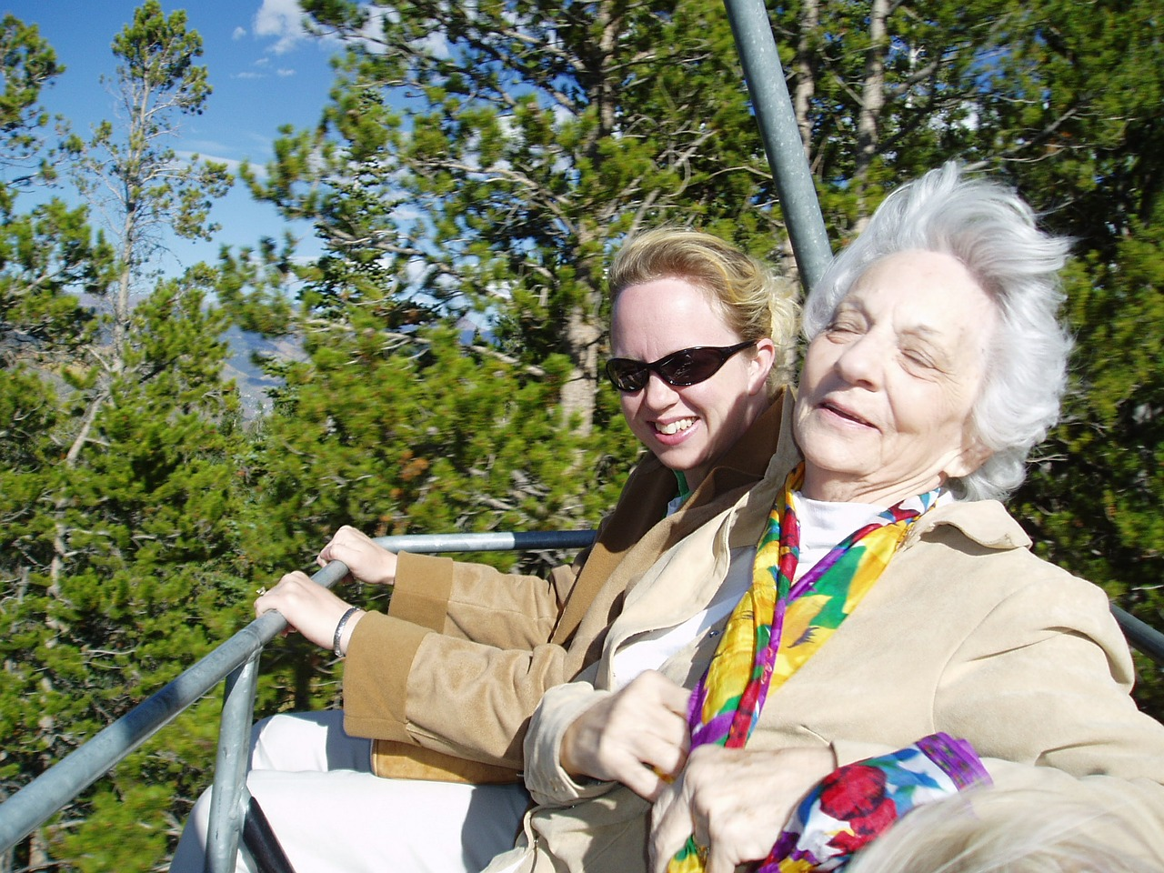 practical-style-tips-you-can-use-to-help-senior-women-look-better