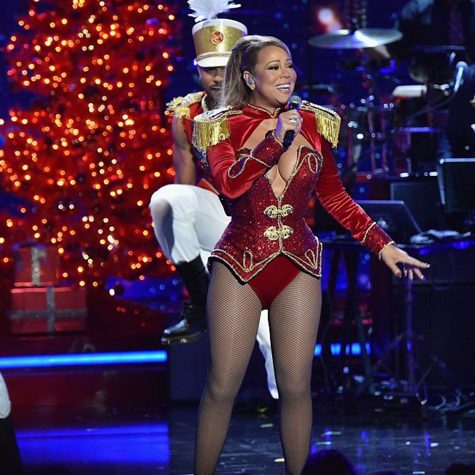 mariah-carey-is-the-5th-female-in-spotify-to-excede-60-million-monthly-listeners