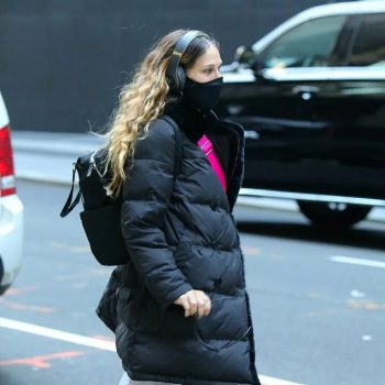 sarah-jessica-parker-in-gerard-darel-puffer-coat-out-in-new-york-city