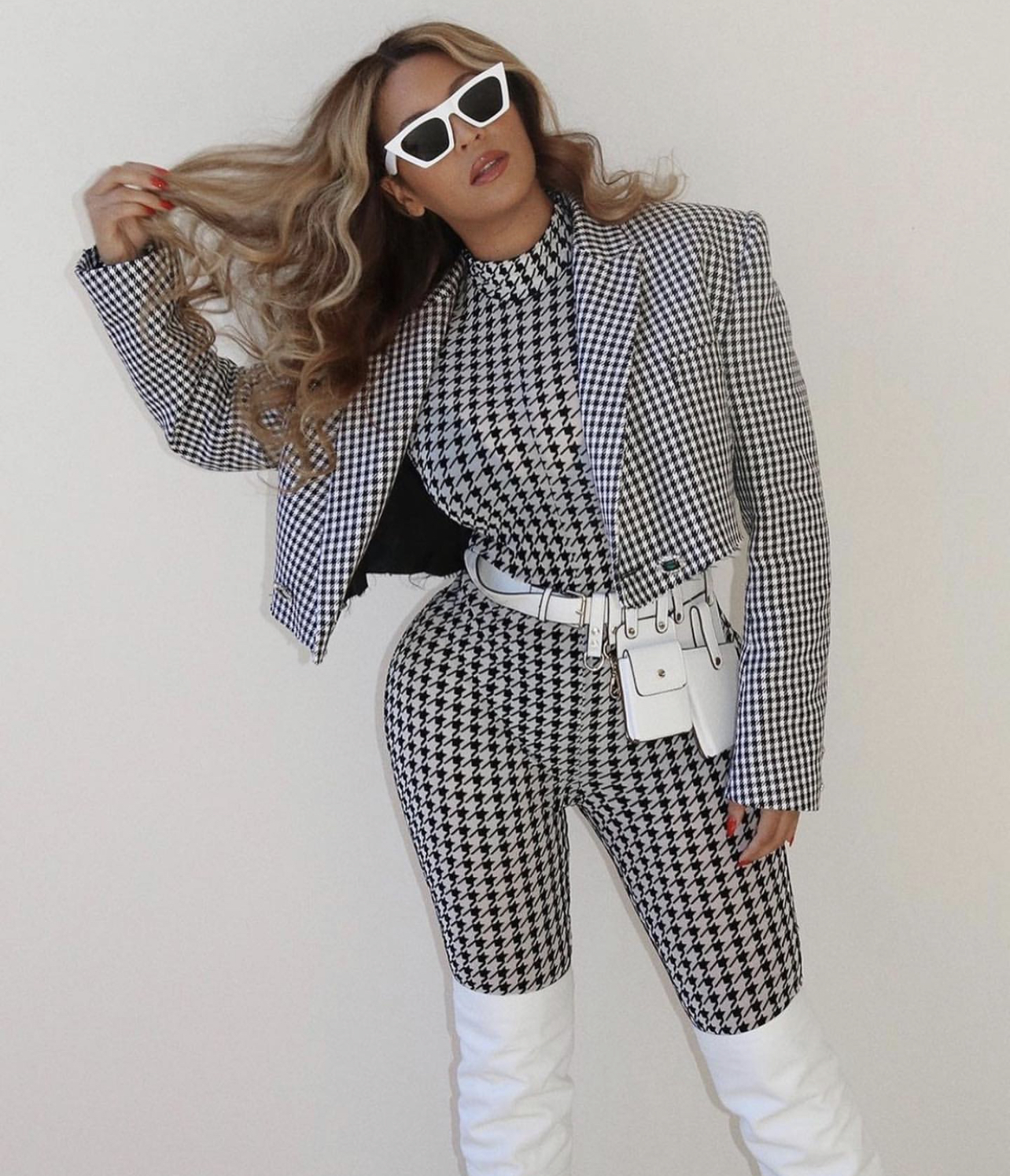 beyonce-knowles-wore-david-koma-houndstooth-outfit-instagram