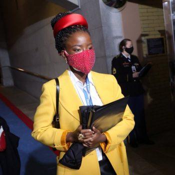 inaugural-poet-amanda-gorman-wears-oprah-jewelry-prada-inaugural-ceremony
