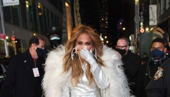 jennifer-lopez-wore-balmain-dick-clarks-new-years-rockin-eve-in-new-york