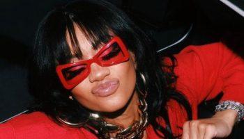 saweetie-lil-kim-wearing-chanel-f-w-1995-glasses