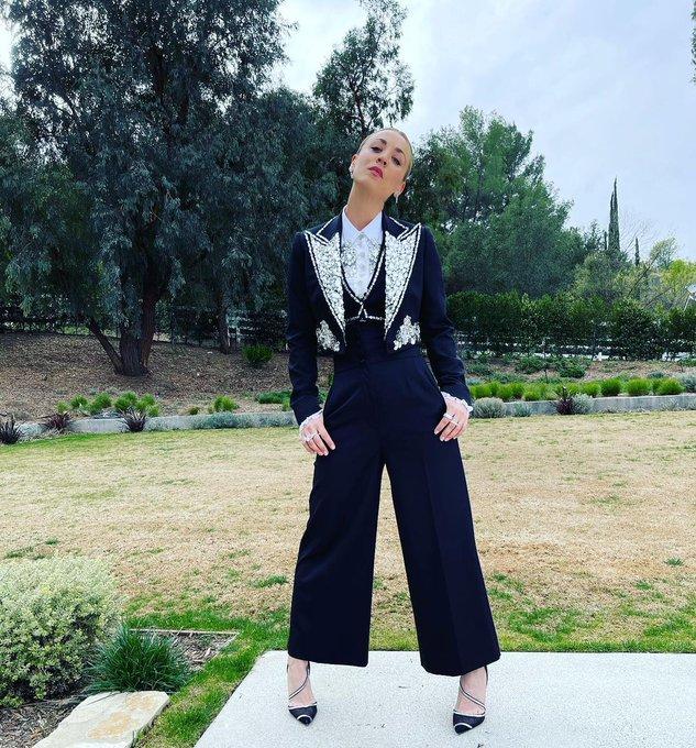 kaley-cuoco-wears-a-dolce-gabbana-suit-2021-critics-choice-awards