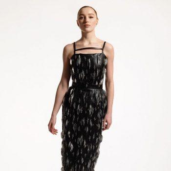 phoebe-dynevor-wore-louis-vuitton-2021-critics-choice