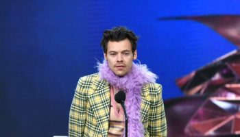 harry-styles-wore-gucci-2021-grammy-awards