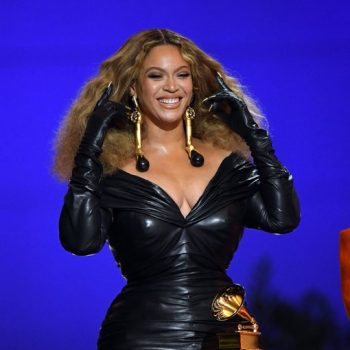 beyonce-wears-custom-schiaparelli-the-2021-grammys
