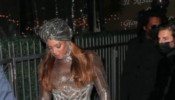 beyonce-wearing-burberry-out-in-los-angeles-after-historical-2021-grammy-wins