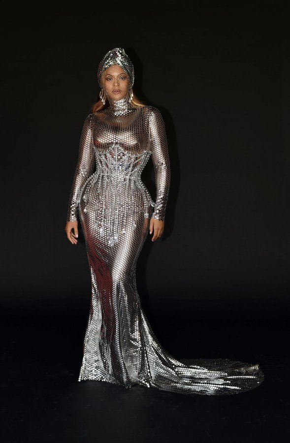 beyonce-wearing-custom-burberry-the-grammys-afterparty