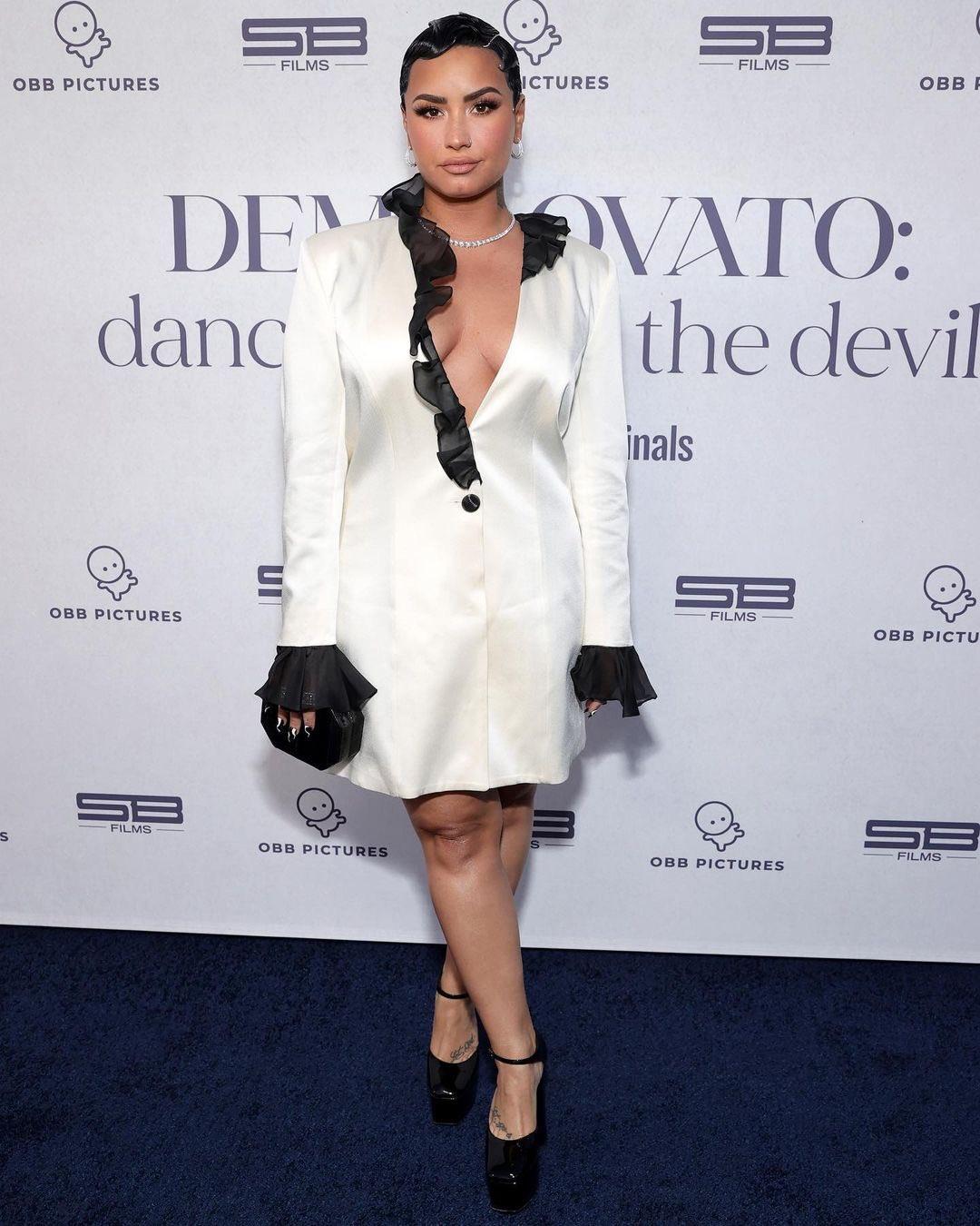 demi-lovato-wore-martin-martin-marine-dancing-with-the-devil-premiere-in-beverly-hills