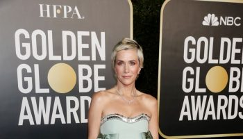 kristen-wiig-in-prada-the-2021-golden-globe-awards