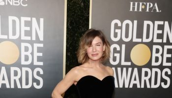 renee-zellweger-in-giorgio-armani-the-2021-golden-globe-awards