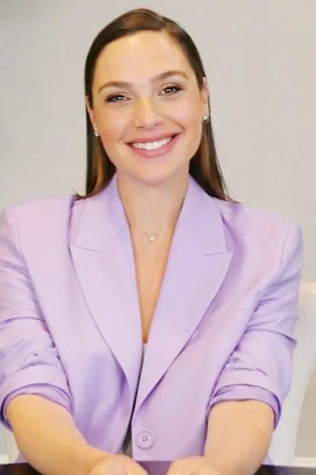 gal-gadot-wore-a-gauge-81-jacket-live-with-kelly-ryan-april-22-2021