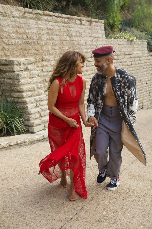 halle-berry-poses-in-red-dress-for-a-photo-shoot-with-her-boyfriend-van-hunt