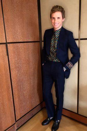 eddie-redmayne-in-gucci-2021-sag-awards