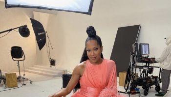 regina-king-wore-alexandre-vauthier-haute-couture-ew-the-oscars-issue-2021-behind-the-scenes