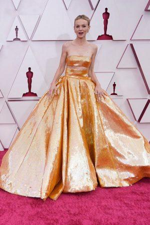 carey-mulligan-wore-valentino-haute-couture-2021-oscars
