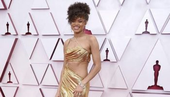 andra-day-wore-vera-wang-2021-oscars