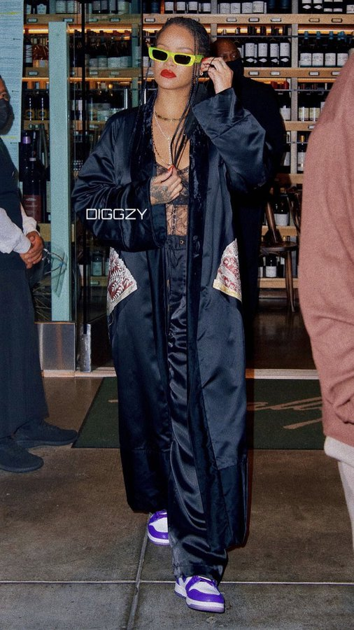 rihanna-in-hermes-robe-out-in-beverly-hills-april-19-2021