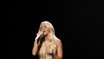 carrie-underwood-performed-2021-acm-awards