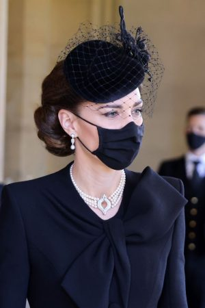 kate-middleton-wore-the-queens-pearl-necklace-to-prince-phillip-funeral