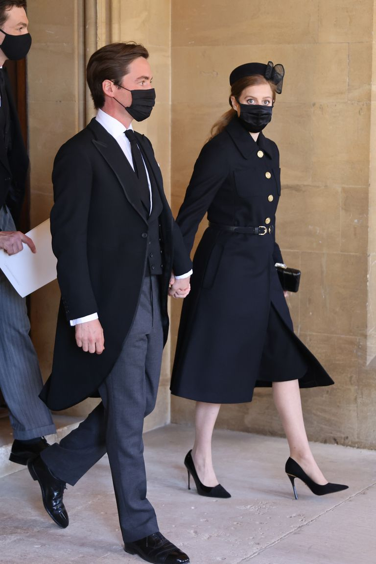 princess-beatrice-princess-eugenie-arrive-prince-philips-funeral