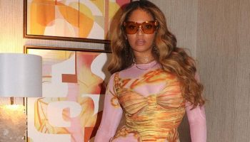 beyonce-knowles-wore-charlotte-knowles-ss21-rtw-instagram-may-8-2021