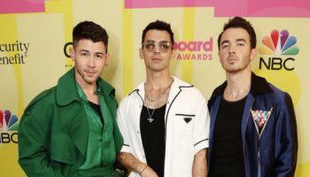 jonas-brothers-on-the-red-carpet-2021-billboard-music-awards