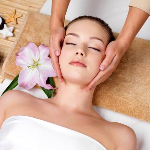 why-you-need-the-best-facial-bed