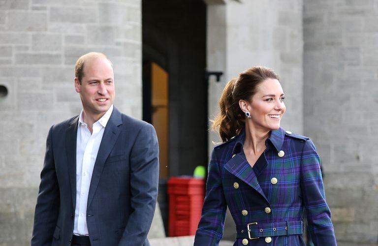 kate-middleton-wears-holland-cooper-tartan-coat-the-queens-earrings-for-cruella-screening