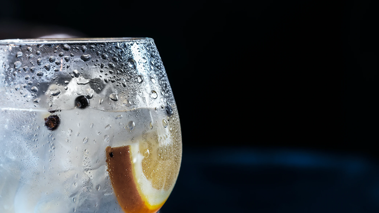 know-a-gin-lover-check-out-these-original-ways-to-surprise-them