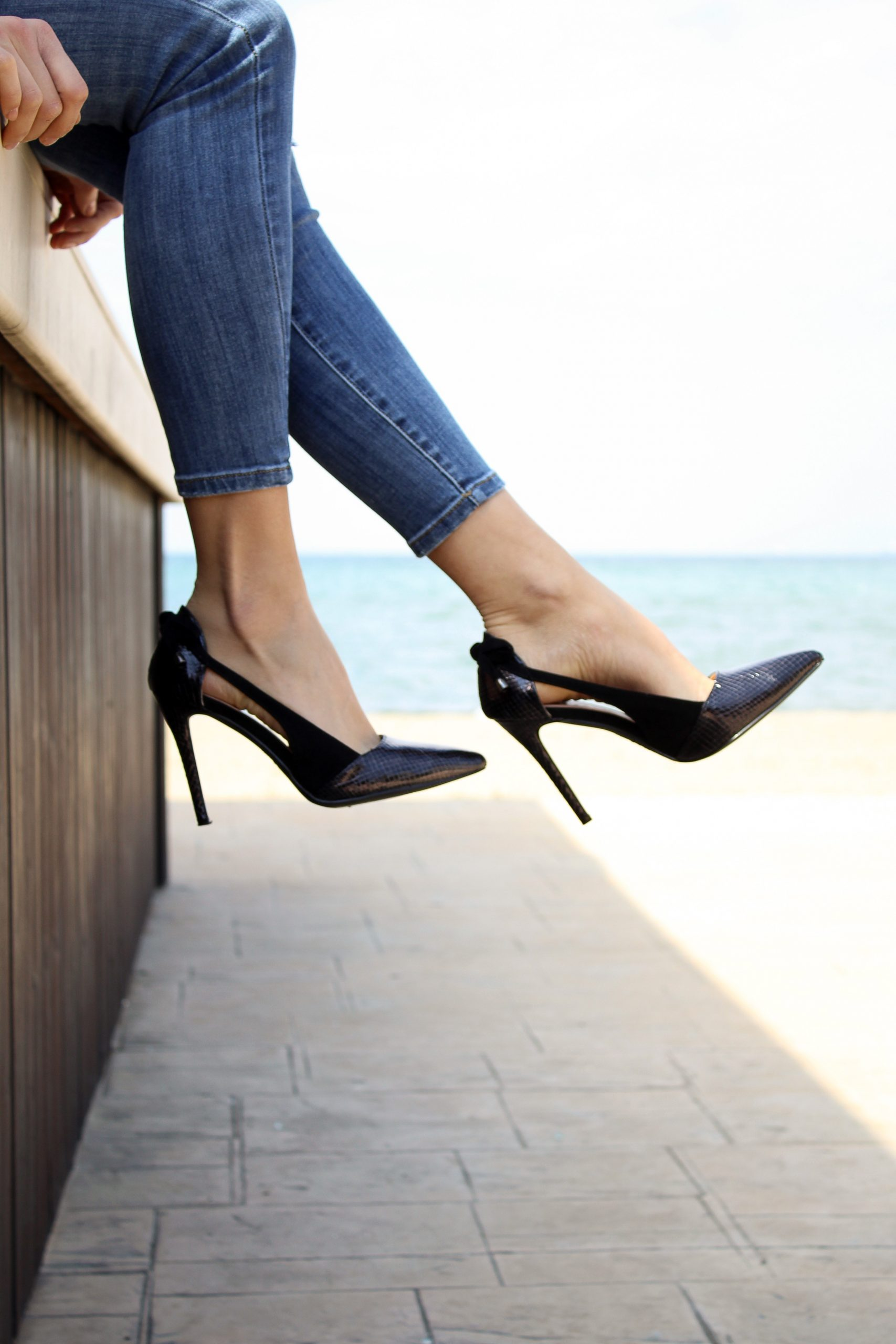 beneficial-tips-for-buying-womens-shoes-online