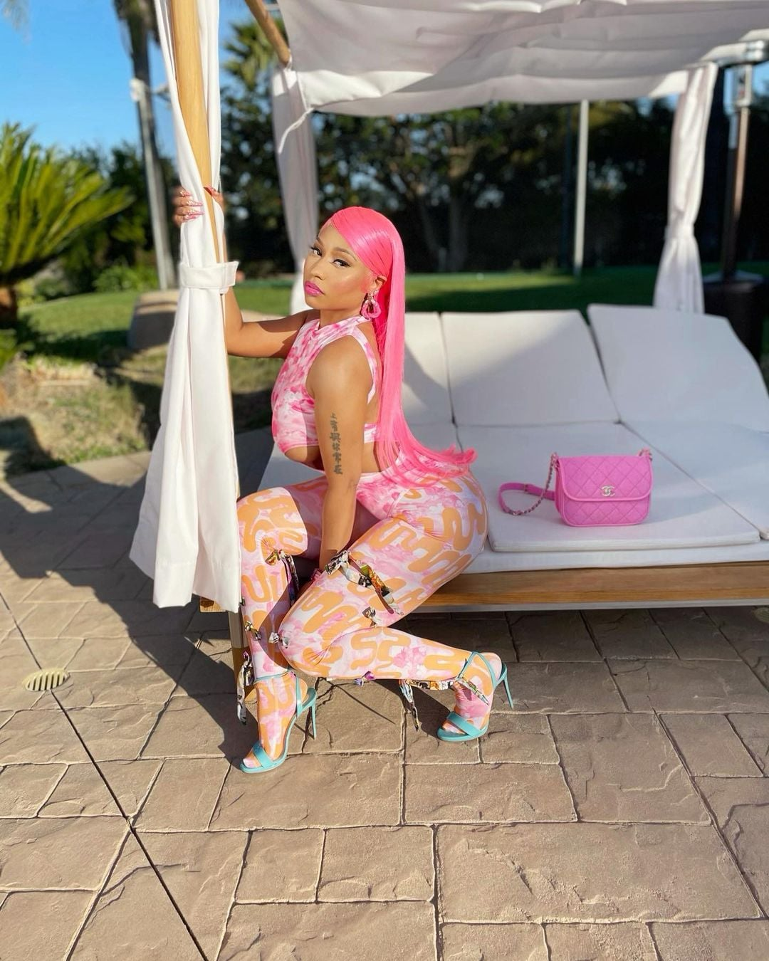 nicki-minaj-wore-pink-jumpsuit-instagram