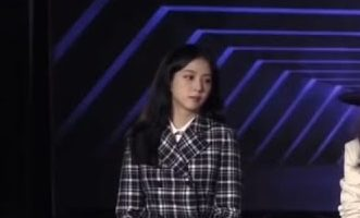 jisoo-blackpink-wore-christian-dior-google-marketing-livestream-june-1-2021