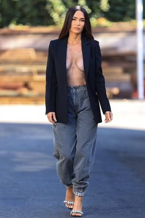 megan-fox-streetstyle-out-in-los-angeles-june-11-2021