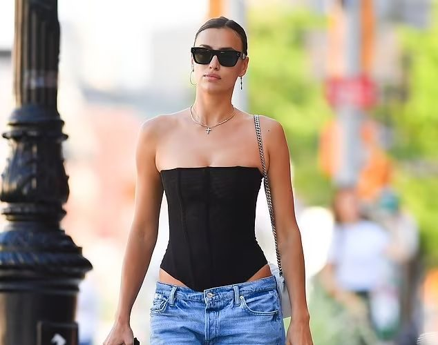 irina-shayk-wearing-black-corset-out-in-new-york-city-june-16-2021